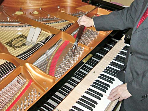 ピアノQ&A 調律は、なぜ必要ですか?